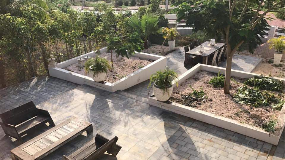 Landscaping with paving for a private person on bonaire